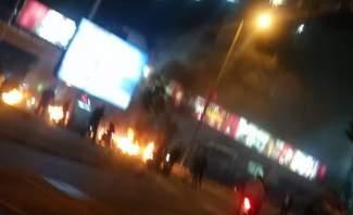 النشرة: محتجون يلقون الحجارة على عناصر الجيش في تعلبايا