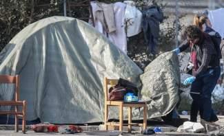 الشرطة الإيطالية تهدم مخيماً رمزياً مؤقتاً للنازحين في روما