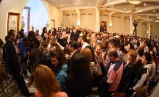 النشرة: آلاف المصلين استقبلوا ذخائر القديسة ريتا في زحلة