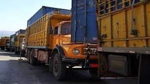 إعتصام لأصحاب الشاحنات ومؤسسات البناء عند أوتوستراد شكا