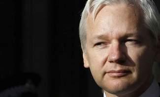 """اعتقال مؤسس """"ويكيليكس"""" جوليان أسانج بعد خروجه من سفارة الإكوادور في لندن"""
