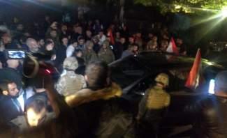 استمرار احتجاجات مناصري الوطني الحر في بكفيا وسقوط جرحى بالاشكال مع مناصري الكتائب
