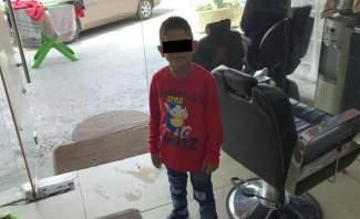 قوى الأمن: مساعدة طفل سوري يقوم بالتسول في صيدا وتوقيف والده وعمه