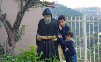أعجوبة الأعاجيب للقديس شربل: هكذا يرويها الطفل مارون...