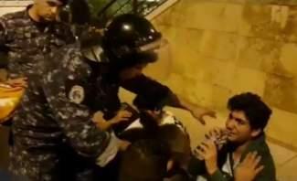 قوى الأمن نشرت مشهدا يتضمن قيام عناصرها بتقديم المساعدة لبعض المتظاهرين