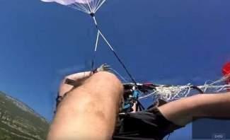 قائد طائرة شراعية ينقذ حياة راكب ويفشل في إنقاذ نفسه