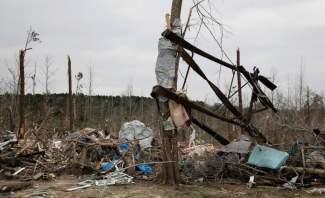 مشاهد جوية للدمار نتيجة الإعصار في ألاباما