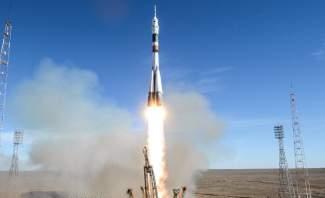 """مركبة الفضاء الروسية """"سويوز"""" تنجح في الإلتحام بمحطة الفضاء الدولية"""