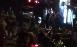 MTV: الدراجات التي حملت أعلام أمل وحزب الله توجهت باتجاه وسط بيروت لكن الجيش تصدى لها عند مونو
