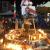 النشرة: إضاءة الشموع عند تقاطع إيليا في صيدا تحية لروح علاء أبو فخر