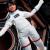 """إنطلاق نسخة جديدة من """"باربي"""" على هيئة رائدة فضاء برحلة جوية على ارتفاع تنعدم به الجاذبية"""