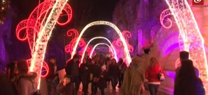 افتتاح القرية الميلادية في مقاهي البردونة برعاية أسعد زغيب