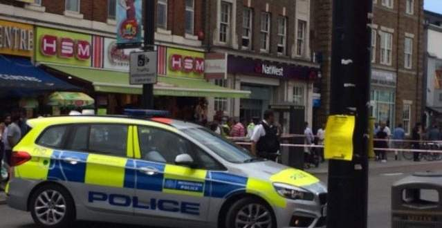 وسائل اعلام بريطانية: اصابة 5 أشخاص بعملية الدهس واعتقال السائق