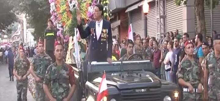 مدينة زحلة اختتمت مهرجاناتها السياحية بمهرجان موكب الزهور