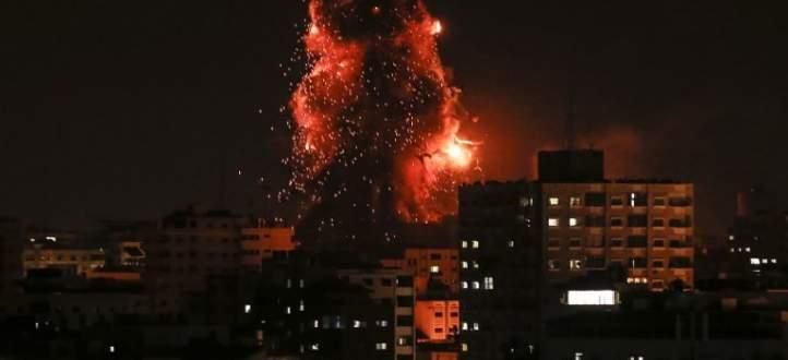 الطيران الإسرائيلي يدمر مبنى قناة الأقصى بالكامل وتوقف بثها