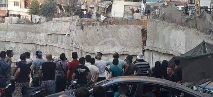 النشرة: انهيار حائط الدعم في المشروع المقام في ملعب الراية في الضاحية