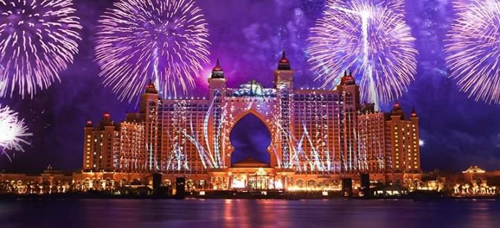 دبي استقبلت عام 2017 باطلاق الالعاب النارية من 160 موقعا