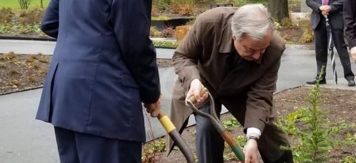 النشرة: غوتيريس ونواف سلام زرعا شجرة أرز في حديقة مقر الأمم المتحدة