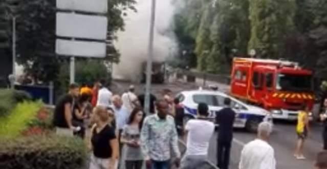 وسائل اعلام غربية: انفجار داخل حافلة لنقل الركاب في باريس