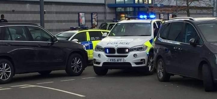 وسائل إعلام بريطانية: احتجاز رهائن من قبل مسلح بصالة سينما شمال غرب لندن