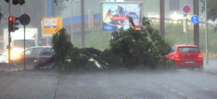 هيئة الأرصاد الجوية الألمانية: قتيل بسبب العواصف الشديدة في البلاد
