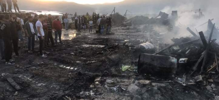 النشرة: اندلاع حريق في مخيم للنازحين السوريين في المرج والاضرار مادية