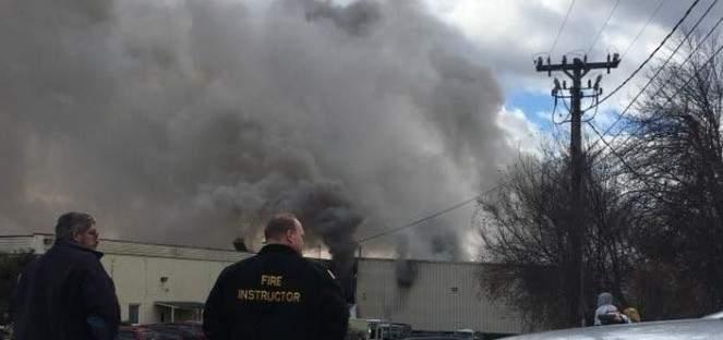 سقوط عشرات المصابين نتيجة انفجارين في مصنع لمنتجات التجميل في نيويورك