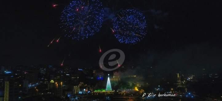 إضاءة شجرة الميلاد في جونية بحضور رئيس البلدية وفاعاليات اجتماعية