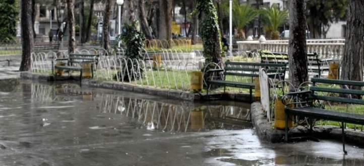 النشرة: تساقط أمطار غزيرة بدمشق والمياه غمرت الشوارع