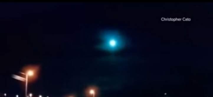 كرة من النار تضيء سماء تكساس الأميركية