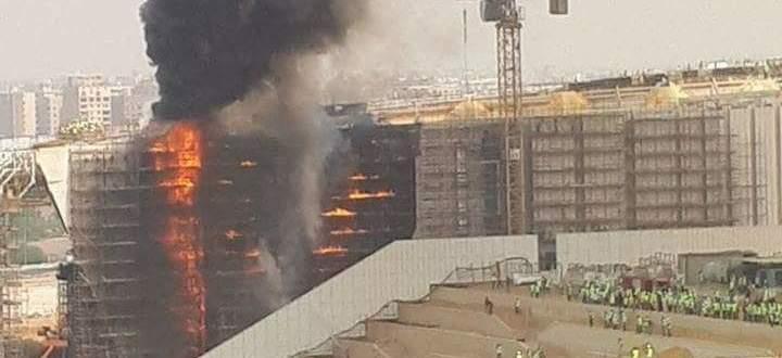 """حريق ضخم في """"المتحف المصري الجديد"""" في الهرم غرب القاهرة"""