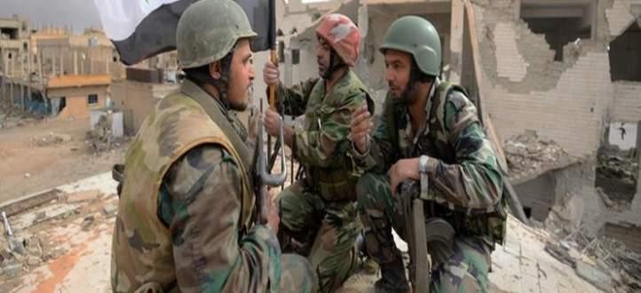 النشرة:تواصل الاشتباكات العنيفة بين الجيش السوري وداعش في الحجر الاسود