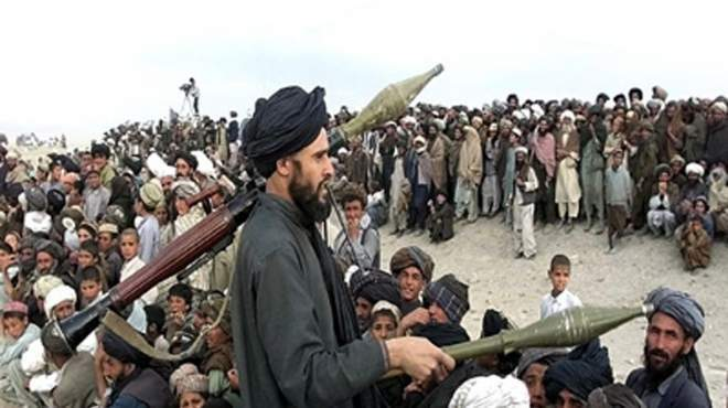 سلطات باكستان تعلن مقتل زعيم طالبان باكستان بغارة أميركية