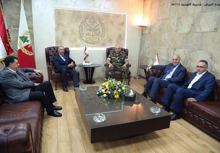 قائد الجيش التقى وفداً من كتلة نواب زحلة ورئيس الجامعة الأميركية