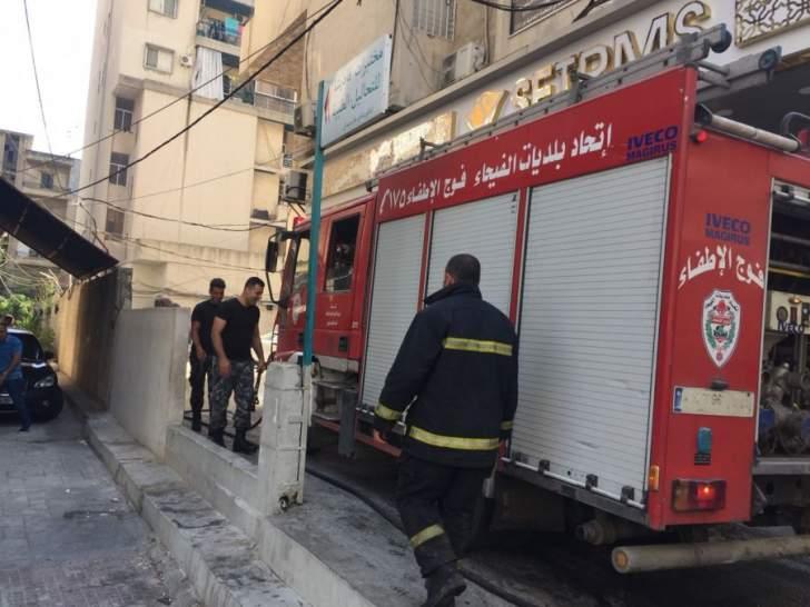 الدفاع المدني يخمد حريقاً شب داخل سيارة في عابا الكورة