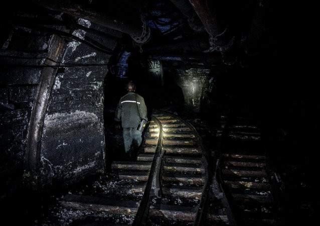 إجلاء حوالي 120 من عمال منجم في مدينة فوركوتا شمال روسيا