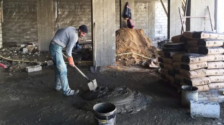 مقاطعة المحال التي توظّف اليد العاملة السورية: أين القانون من الفَلَتان؟!