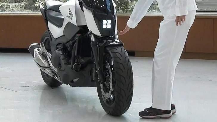 ابتكار دراجة نارية ذاتية التوازن لا تسقط أبدا