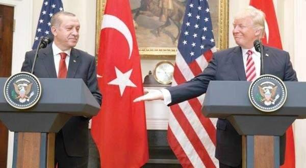 أردوغان يراقب إعتداء حراسه على محتجين بواشنطن