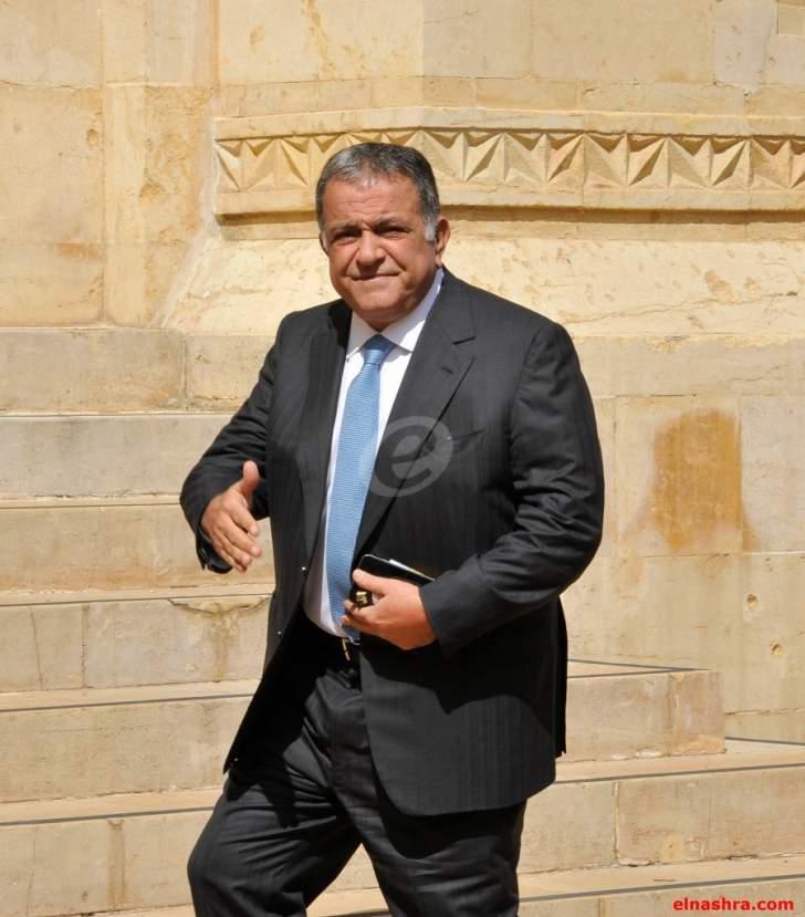 مصادر الأخبار:مكاري يريد استعادة مبلغ من المال دفعه لحملة كرم عام 2012