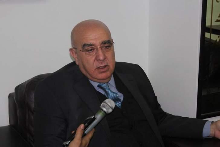 حمدان: المحرك الرئيسي للنازحين السوريين المؤيدين للإرهاب هو وليد جنبلاط