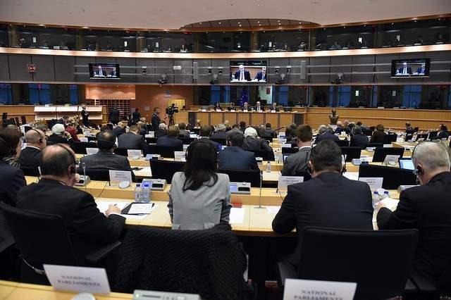 البرلمان الأوروبي يتبنى قرارا يدعو لحظر بيع السلاح للسعودية