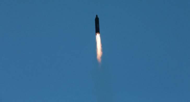 كوريا الجنوبية اطلقت اول غواصة قادرة على إطلاق الصواريخ البالستية