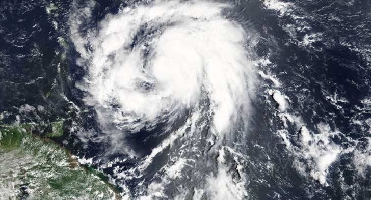 حصيلة فلورنس: انقطاع الكهرباء عن 100 ألف منزل ومخاوف من فيضانات كارثية