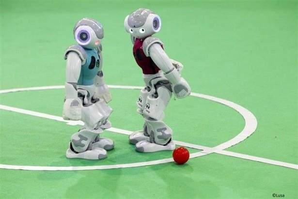 روبوتات ألمانيا تسعى للتفوق على مهارات ميسي بحلول عام 2050