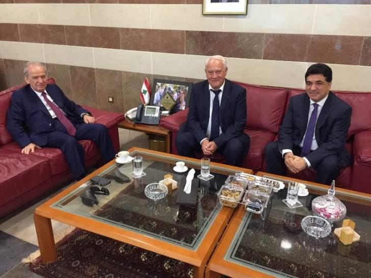 حمادة التقى سفير رومانيا وبحثا موضوع تعزيز العلاقات التربوية