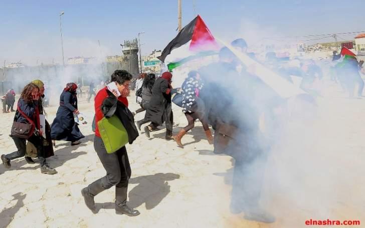الشرطة الاسرائيلية تهاجم المتظاهرين قرب المسجد الأقصى