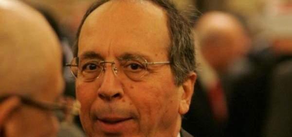السيد لأبو الغيط:هل تعطينا عنوان المقبرة التي دفنت بها الجامعة العربية؟