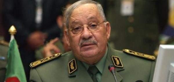 صالح حذر من استخدام العسكريين المتقاعدين للإساءة للجيش ولسمعة الجزائر