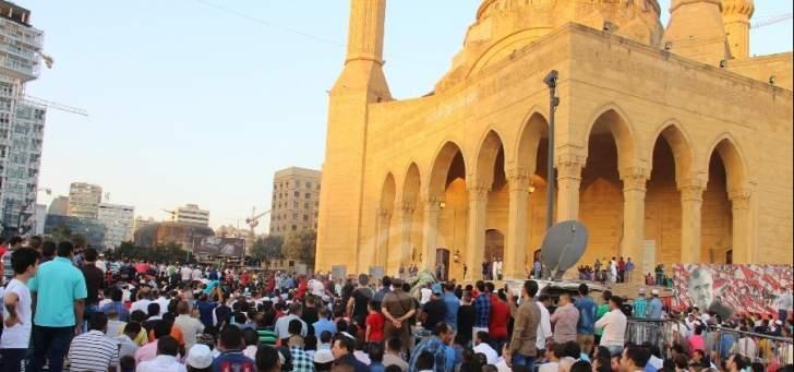 إنارة مسجد الأمين وكاتدرائية مار جرجس الليلة تضامنا مع فلسطين